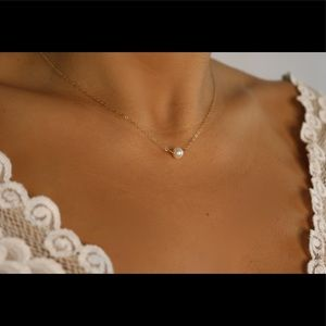 FRESHWATER PEARL NECKLACE ON 14K Gold Filled.